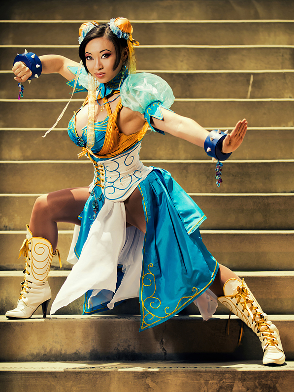 Yaya Han (Fighting Stance)
